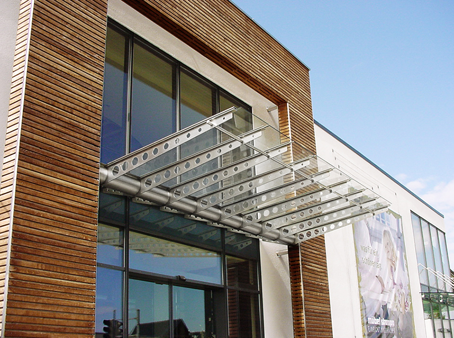 vordach bauen wodurch sich die platten fr with vordach bauen great vordach mit eingercktem. Black Bedroom Furniture Sets. Home Design Ideas